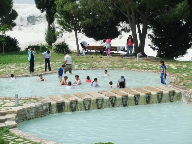 badende Schulklasse